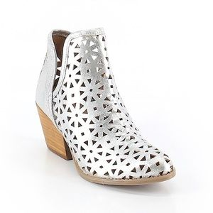 Musse & Cloud Silver Metallic Ankle Boots